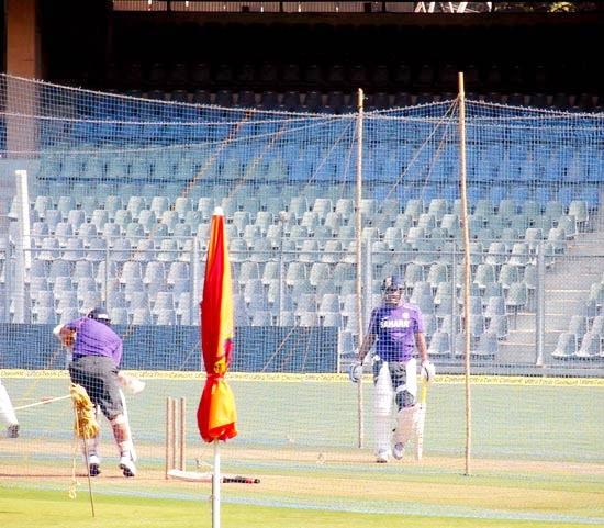 Virender Sehwag bats with Sachin Tendulkar