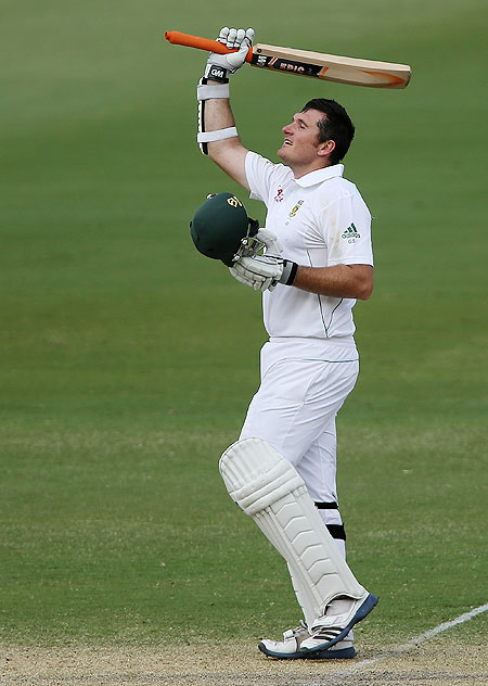 South Africa captain Graeme Smith celebrates after scoring his century against Australia on the 2nd day of the 2nd Test on Friday