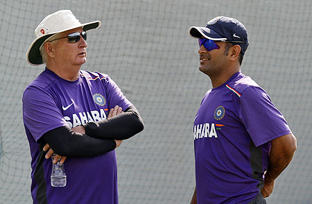 India's captain Mahendra Singh Dhoni (right) and coach Duncan Fletcher