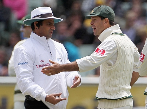 Ricky Ponting of Australia argues with umpire Aleem Dar after a referral against Kevin Pietersen of England was ruled not out