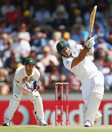 South Africa'S Faf du Plessis bats on Day 1 of the third Test between Australia and South Africa