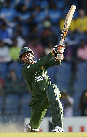 Razzaq blames Hafeez for being dropped from series