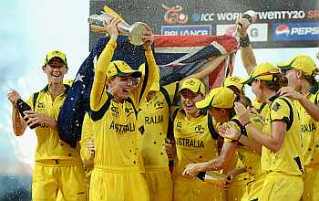 Australian woman with the trophy
