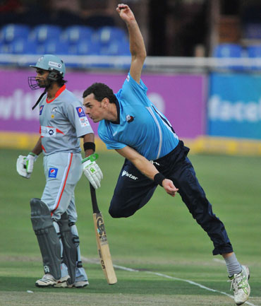 Kyle Mills of Auckland sends off a delivery in the match against Sialkot Stallions of Pakistan