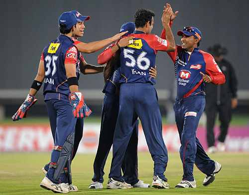 Delhi Daredevils players celebrate