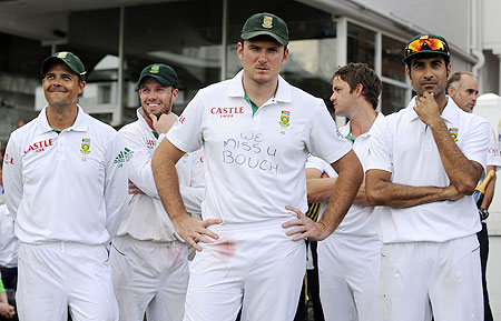 South Africa's captain Graeme Smith with teammates