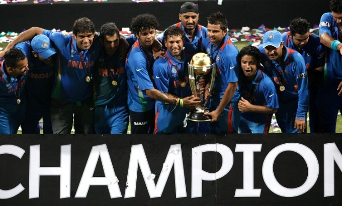 Indian team celebrates with World Cup