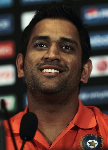 Mahendra Singh Dhoni addresses the media on arrival in Colombo for the World T20