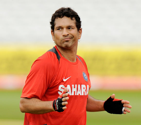 'People who criticize Sachin should not forget his achievements'