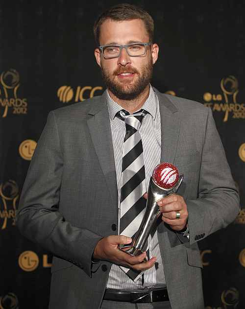 New Zealand's Daniel Vettori, winner of the ICC's Spirit of Cricket Award, poses with his trophy during the ICC Awards in Colombo