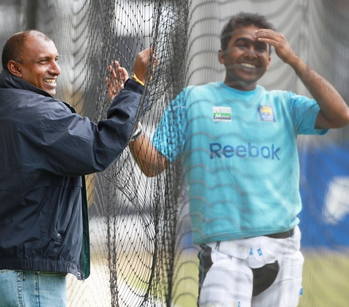 Mahela Jayawardene of Sri Lanka chats with Aravinda Da Silva