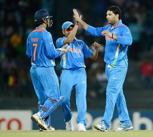 MS Dhoni (left) with Yuvraj Singh (right)