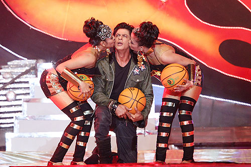 Shah Rukh Khan performing at the opening ceremony