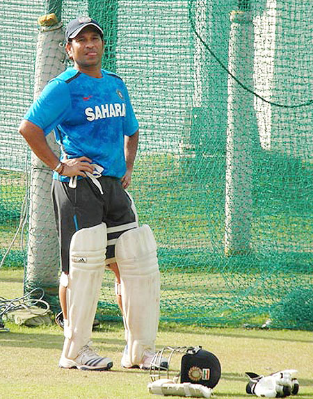 I make mistakes and am not the god of cricket: Tendulkar