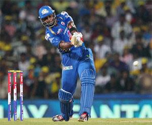 Pollard, bowlers help Mumbai scrape past Chennai