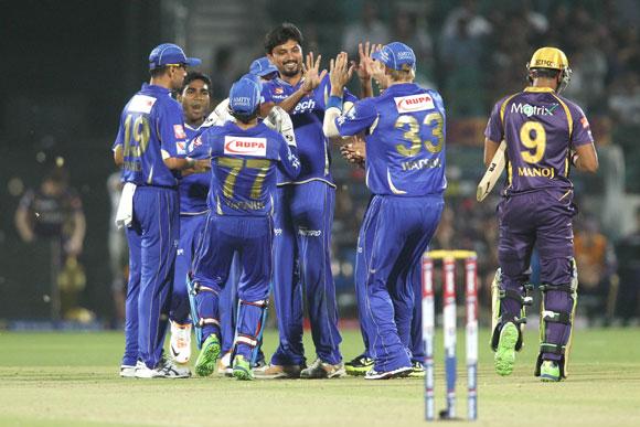 Rajasthan Royals celebrate Siddharth Trivedi's wicket