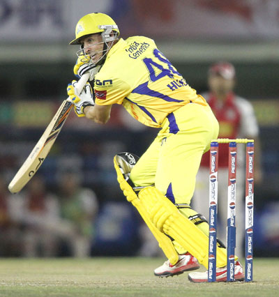 Hussey smashes 86 as Chennai crush Punjab