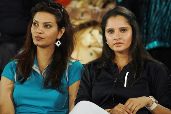 Sexy Preity, Shilpa, Deepika turn it on at the IPL