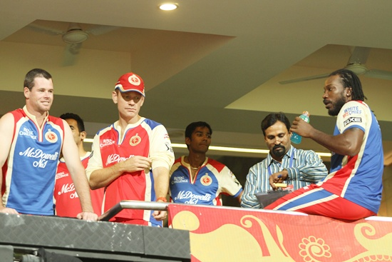 Chris Gayle (right)