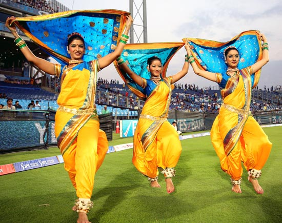 The cheerleaders of Pune Warriors