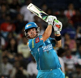 Flamboyant Finch helps Pune end winless run
