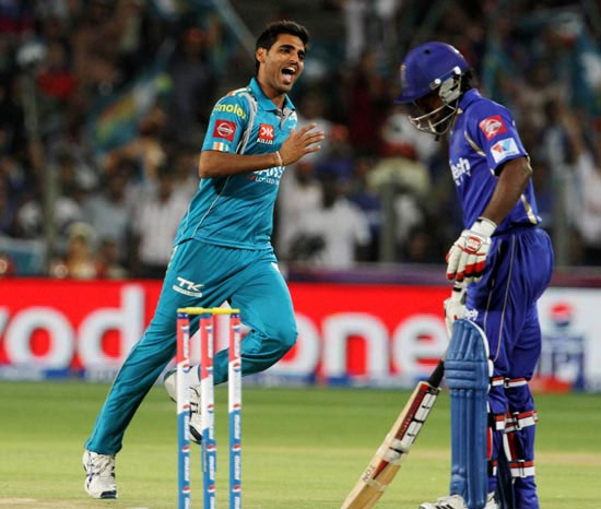 Pune Warriors' Bhuvneshwar Kumar celebrates