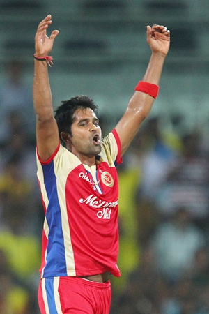 Dhoni's knock took the game away from us: Vinay Kumar