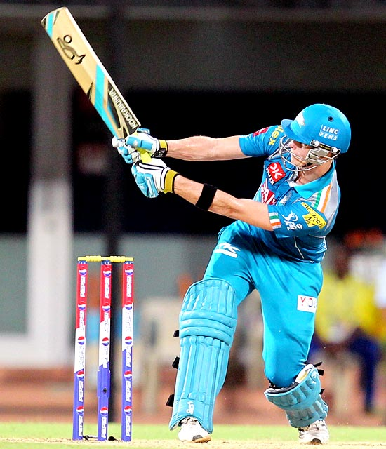 Steven Smith plays the reverse sweep