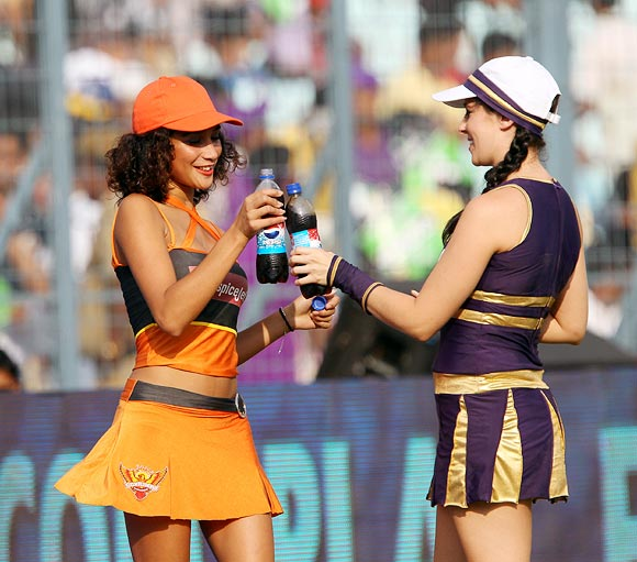 The sexiest cheerleaders in the IPL!