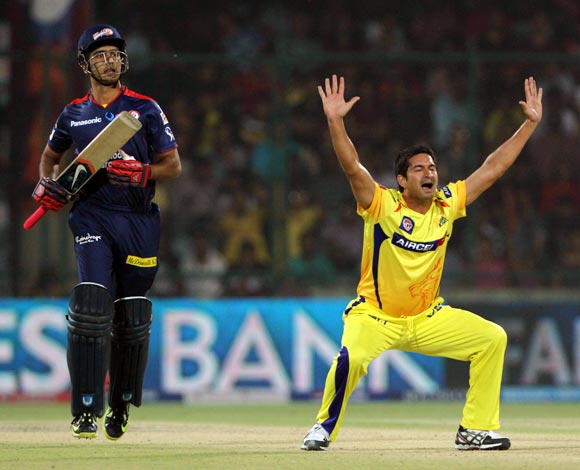 Mohit Sharma appeals successfully for the wicket of Manprit Juneja