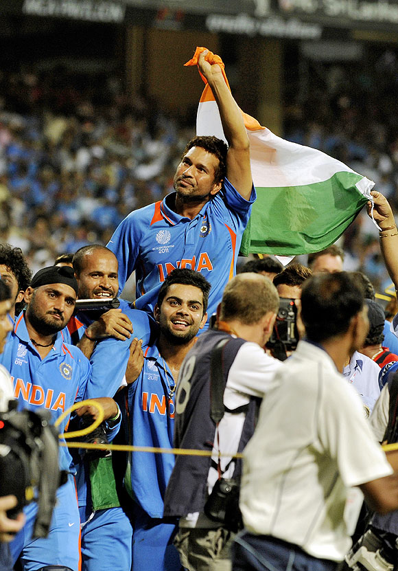 India's Sachin Tendulkar is carried by his teammates after winning the 2011 World Cup