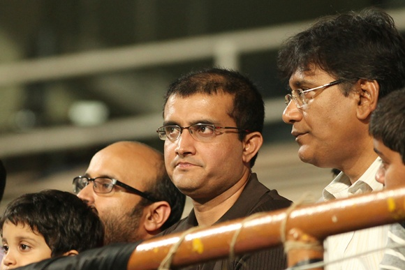 Sourav Ganguly (centre)