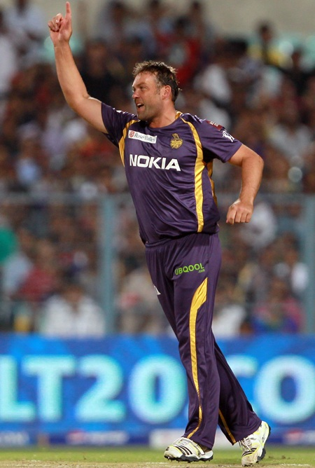 Jacques Kallis celebrates the dismissal of Mandeep Singh