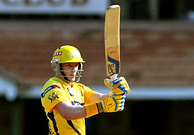 IPL: Hussey powers Chennai to victory over Kolkata