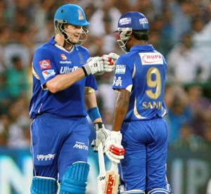 Shane Watson congratulates Sanju Samson on his fifty