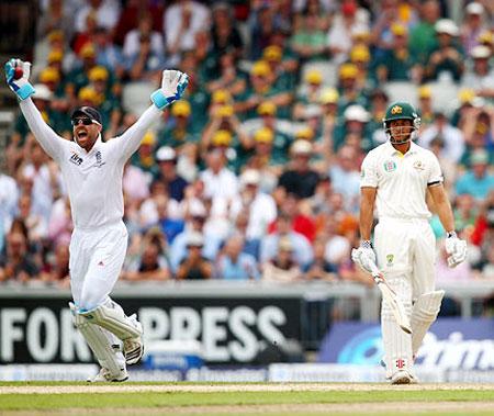 Matt Prior appeals for the wicket of Usman Khawaja