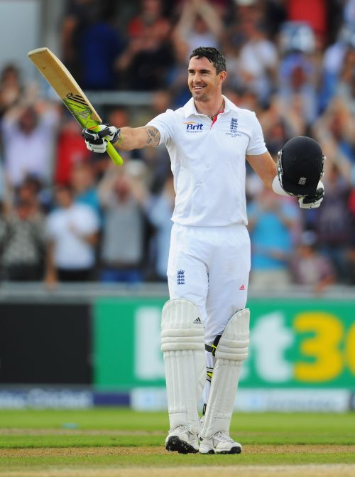 Kevin Pietersen of England celebrates his century