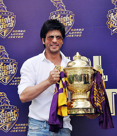 Shah Rukh Khan with the IPL trophy