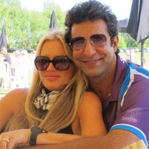 Wasim Akram with fiance Shaniera Thompson