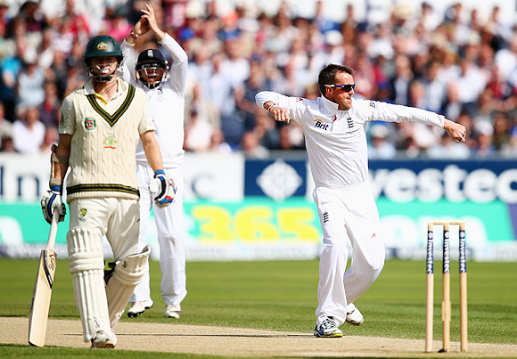 Graeme Swann celebrates after taking the wicket of Brad Haddin on Day 3 of 4th Ashes Test in Chester-le-Street on