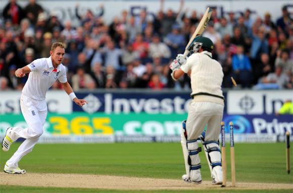 England bowler Stuart Broad celebrates after dismissing Nathan Lyon
