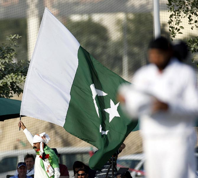 Should Pakistan's Faisalabad Wolves be allowed to play in CLT20 in India?