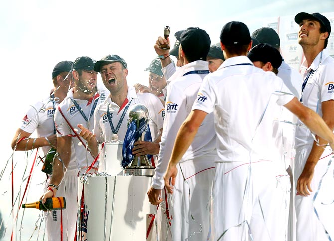 England cricketers urinate on pitch to celebrate Ashes triumph