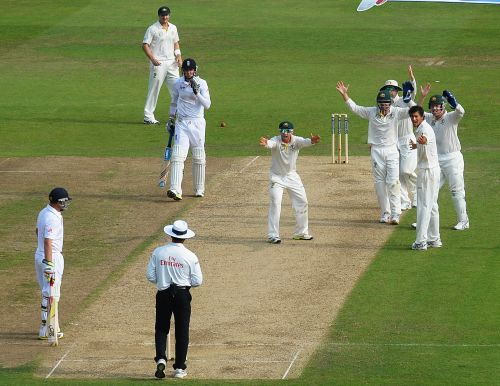 Phil Hughes, Michael Clarke, Ed Cowan, wicketkeeper Brad Haddin and Ashton Agar of Australia appeal unsuccessfully for the wicket of Stuart Broad