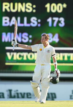 Steve Smith celebrates after getting to hundred