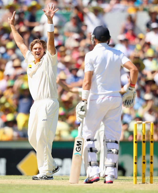 Shane Watson of Australia appeals for the wicket of Joe Root of England
