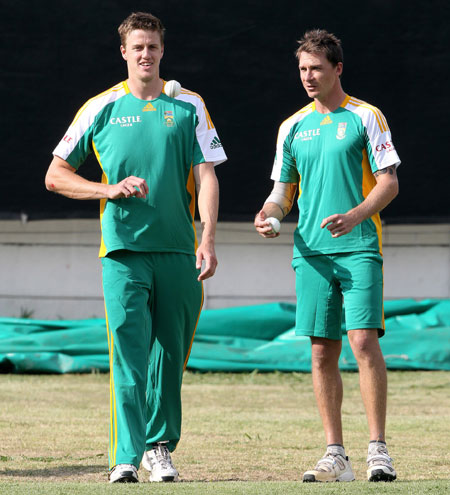 Steyn and Morkel peppered Kohli with pace and bounce