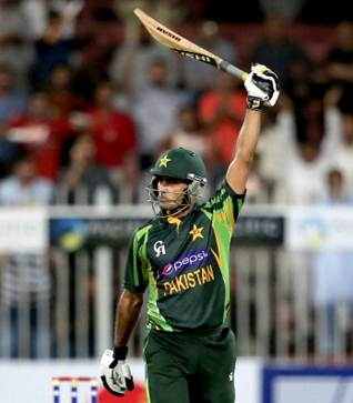 Rediff Sports - Cricket, Indian hockey, Tennis, Football, Chess, Golf - Hafeez ton guides Pakistan to 11-run win over SL