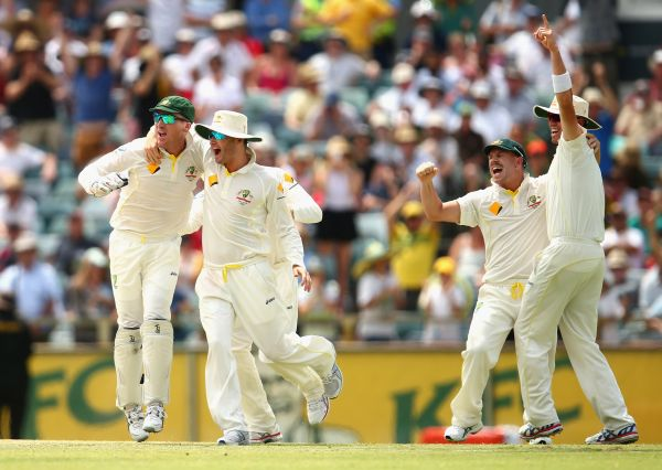 Michael Clarke celebrates after winning the third Ashes Test