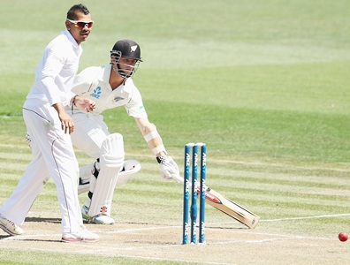 Narine proving handful as NZ build in Hamilton
